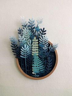 In her ongoing series titled Vegetal Gradient, Sonia Poli - a Lille, France-based graphic designer and illustrator - creates fabulous paper cutting forest illustrations. Diy Paper, Paper Crafts, Cut Paper Art, Paper Cutting Art, Paper Drawing, Paper Cut Outs, Art Cut, Paper Cut Design, Paper Artwork