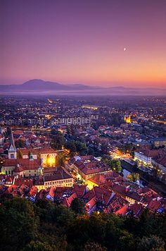 When i read the play visually i saw Ljubljana as Guellen. Much more run down obviously but in my mind the play exists in an Eastern European setting.