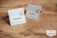 Wedding place card with watercolor flowers. / Winietki z motywem akwarelowych kwiatów.
