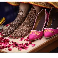 Pick Sole House's Pataka Dulhan Heels Online from Jivaana's Collection of Indian Bridal Footwear. Bridal Sandals, Bridal Shoes, Wedding Shoes, Bridal Footwear, Tory Burch Flats, Indian Bridal, Chanel Ballet Flats, High Heels, Pink