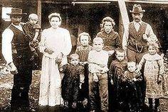 inmigrantes en argentina | Colonos italianos en el pueblo Capitán Pastene en 1910 : la Familia ...