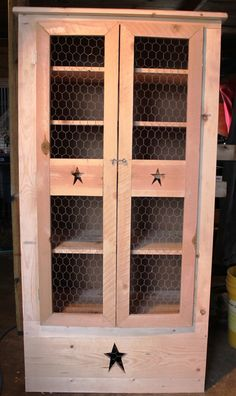 Primitive Americana Country Hutch by on Etsy, Primitive Furniture, Country Furniture, Primitive Crafts, Primitive Bedroom, Primitive Homes, Furniture Projects, Home Furniture, Amish Furniture, Wood Projects