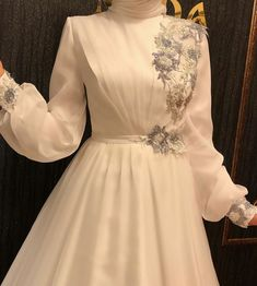 Muslimah Wedding Dress, Muslim Wedding Dresses, Muslim Dress, Muslim Brides, Modest Fashion Hijab, Abaya Fashion, Women's Fashion Dresses, Hijab Evening Dress, Hijab Dress Party