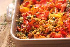 Peperoni gratinati al forno: la ricetta del secondo estivo Fried Rice, Wine Recipes, Salsa, Fries, Curry, Healthy Recipes, Healthy Food, Food And Drink, Vegetables