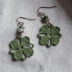 Crochet Tutorial Design Nora Crochet Earrings Olive Green by MuggyTuesday on Etsy - Crochet Earrings Pattern, Crochet Jewelry Patterns, Crochet Flower Patterns, Crochet Bracelet, Crochet Accessories, Crochet Motif, Crochet Designs, Hand Crochet, Crochet Puff Flower