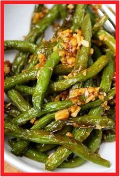 dinner Dry-Fried Green Beans with Garlic Sauce - Pickled Plum Food And Drinks This is an easy and classic preparation for Chinese dry-fried green beans sauteed in soy, garlic and sesame oil. Tasty, salty, and tender dry-fried green beans - the best! Asian Dinner Recipes, Easy Asian Recipes, Side Dish Recipes, Vegetable Recipes, Vegetarian Recipes, Chinese Food Vegetarian, Chicken Recipes, Healthy Chinese, Vegetarian Side Dishes