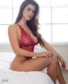 Pauline Jackson (gorgeous American model) in sensual red lace lingerie, sumptuous boobs and hot legs. Jackson Instagram, Fit Women, Sexy Women, Look Plus Size, Red Lingerie, Insta Models, Brunette Beauty, Hot Outfits, Bikini Girls