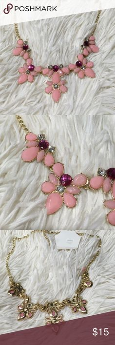 Gold pink fuscia necklace choker Nwt adjustable Gold pink fuscia necklace choker Nwt adjustable Jewelry Necklaces
