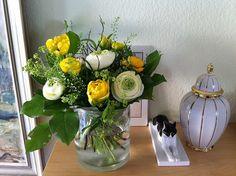 Ranunkeln und Tulpen Ostern 2012 by Margit Hohenberger, via Flickr