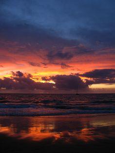 Maui Sunset, Kamaole Beach III - Kihei, HI.  I've seen this very same sight so many times & it never gets tiring.  Nothing beats Maui sunsets.