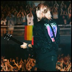 Michael Clifford ,Meet You There Tour//Auckland Michael Clifford, Mikey Clifford, Beautiful Blue Eyes, Beautiful Men, Harry Styles, Thomas Hood, 5sos Pictures, 5secondsofsummer, Calum Hood