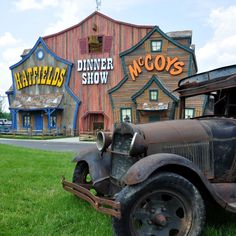 Come and see what all the fuss is about at the Hatfields and McCoys Dinner Show in Pigeon Forge. #pigeonforge #tennessee #dinner