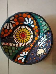 32 New Ideas Wall Tiles Pattern Mirror Mosaic Birdbath, Mosaic Tray, Mosaic Garden Art, Mosaic Tile Art, Mosaic Flower Pots, Mosaic Pots, Mosaic Crafts, Mosaic Projects, Wall Tiles