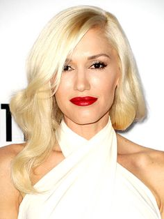 Gwen Stefani with soft blonde waves, red lips & wrapped halter look Hair Lights, Light Hair, Gwen Stefani, Skin Color Chart, Perfect Blonde Hair, Cheveux Ternes, Best Lipstick Color, Lipstick Shades, Musa Fitness
