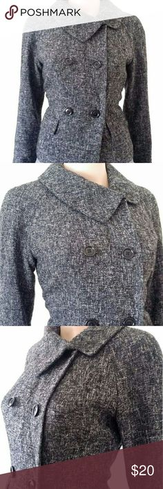 Banana Republic Womens Gray Button Short Coat Size: 4 S SMALL In Very good condition!! Very adorable!! A great gift!! Fast shipping!! Ralph Lauren Jackets & Coats Trench Coats