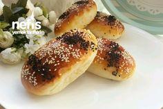 Sütlü Yumuşacık Baget Poğaça Turkish Kitchen, Turkish Tea, Hot Dog Buns, Hot Dogs, Savory Pastry, Tea Time Snacks, Bread, Food, Braid