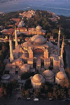 Basilique Sainte-Sophie, Istanbul, Turkey - Hagia Sophia is a former Greek church, later an imperial mosque, and now a museum. Sainte Sophie Istanbul, Hagia Sophia Istanbul, Oh The Places You'll Go, Places To Travel, Places To Visit, Byzantine Architecture, Turkish Architecture, Turkey Travel, Place Of Worship