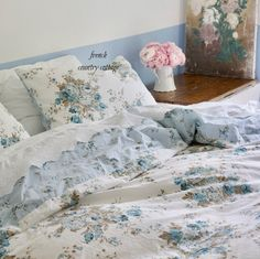 Simply Shabby Chic Aqua Blue Rose Duvet Cover and Sham Set New. Chic Home Decor, Chic Upholstery, Shabby Chic Baby Bedding, Chic Bedding, Blue Shabby Chic, Shabby Chic Room, Shabby Chic Bedding, Shabby Chic Girls Bedroom, Vintage Bedroom Styles