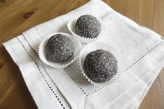 Makové kuličky bez ořechů Dessert Recipes, Desserts, Medium, Tailgate Desserts, Deserts, Postres, Dessert, Desert Recipes, Pastries Recipes