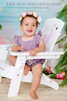 Sweet Baby Girl Summer Tiki Beach Theme Photos Birthday Cake Smash, First Birthday Cakes, Cake Smash Pictures, Themes Photo, Baby Portraits, Family First, Beach Themes, Photography Photos, Photo Studio