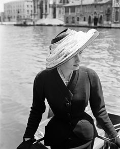 La veste Bar de Dior, photographiée à Venise en juin 1951