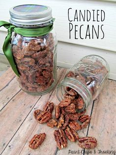 Candied Pecans - Paint Chips And Frosting Christmas Treats, Christmas Baking, Christmas Goodies, Christmas Time, Thanksgiving Holiday, Christmas Stuff, Christmas Presents, Holiday Gifts, Delicious Desserts