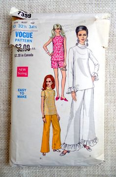 Vintage 1960s sewing pattern Vogue 7359 Bust 32.5 Ruffled Retro palazzo pants Hostess pajamas Bell Bottoms Mad Men Turtleneck