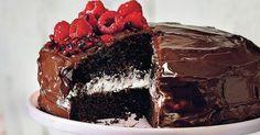 Cuketová torta so smotanovým krémom - dôkladná príprava krok za krokom. Recept patrí medzi tie najobľúbenejšie. Celý postup nájdete na online kuchárke RECEPTY.sk.
