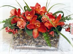 Le Jardin Florist offers Beautiful Silk Flower Arrangements made with Artificial Flowers and Plants in Crystal Tree Plaza, North Palm Beach Florida. Diy Silk Flower Arrangements, Artificial Flower Arrangements, Floral Bouquets, Flower Vases, Ikebana, Hotel Flowers, Artificial Flowers And Plants, Pretty Flowers, Flowers Pics
