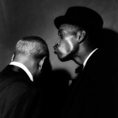 I Love this photograph by British photographer TerryCryer. Sonny Stitt gives Coleman Hawkins a kiss. Jazz Artists, Jazz Musicians, Best Love Songs, Greatest Songs, Blues Rock, Julia Jacklin, Coleman Hawkins, All About Jazz, Fotografia