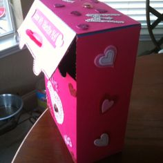 Valentine mail box from a shells & cheese (individuals) box