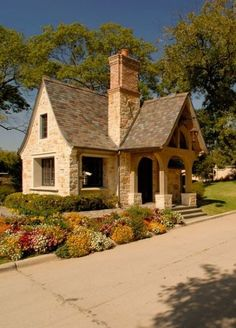 60 Beautiful Small Cottage House Exterior Ideas - Page 42 of 65 Small Cottage House Plans, Small Cottage Homes, Cute Cottage, Cottage Living, Stone Cottage Homes, Stone Cottages, Small Cottages, Cabins And Cottages, Stone Houses