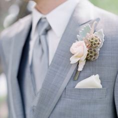 Light gray suit for the groom