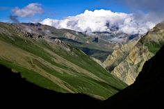 View of Tahari Khola valley, Karnali, western Nepal; by marches-lointaines.com