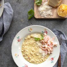 Tomaatin kasvatus - siementen kylvö | Kokit ja Potit -ruokablogi Risotto, Oatmeal, Breakfast, Ethnic Recipes, Food, The Oatmeal, Morning Coffee, Rolled Oats, Eten