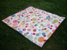 Bubbly Quilt - make simple rows to quilt background before applying circles.