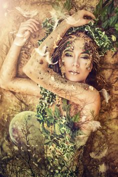 I'm an Earth Goddess thanks to Laura Helena Photography! In this shooting we tried to transform me into Gaia, the greek Goddess of the Earth, Mother Ear. Mother Earth Gaia, Goddess of the Earth Greek Goddess Art, Gaia Goddess, Divine Goddess, Earth Goddess, Mother Goddess, Triple Goddess, Greek Mythology Costumes, Mother Nature Costume, Goddess Tattoo