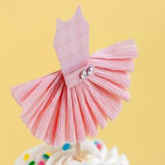 How to make this cupcake topper. Cute for a little girl's ballerina theme birthday