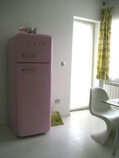 Better than a pot of gold...a gold Smeg fridge. #regram ... | {Kühlschränke smeg 42}
