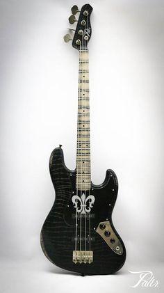 Palir® Gator Bass.