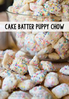 Puppy Chow Desserts Cake Batter Puppy Chow: A crunchy, cake-battery take on the classic Puppy Chow! Puppy Chow Desserts Cake Batter Puppy Chow: A crunchy, cake-battery take on the classic Puppy Chow! Brownie Desserts, Köstliche Desserts, Delicious Desserts, Dessert Recipes, Yummy Food, Tasty, Easy Gluten Free Desserts, Gluten Free Snacks, Desserts To Make