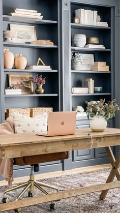 Cozy Home Office, Home Office Bedroom, Home Office Decor, Office With Couch, Office Room Ideas, Office Storage Ideas, Masculine Office Decor, Modern Rustic Office, Masculine Home Offices