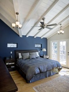 Looking for blue bedroom design ideas for your next project? Browse photo gallery of trendy blue bedroom designs to get you inspired. Dark Blue Bedrooms, Navy Bedrooms, Blue Bedroom Walls, Blue Bedroom Decor, Accent Wall Bedroom, Blue Rooms, Bedroom Colors, Bedroom Black, Blue Walls