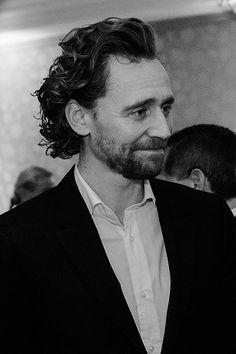 Tom Kurbikston — fluturojdallandyshia: Tom Hiddleston attends the. Thomas William Hiddleston, Tom Hiddleston Loki, Loki Marvel, Avengers, Man Thing Marvel, Cinema, Daddy Issues, Loki Laufeyson, Attractive Men