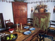 ~~LIVING COUNTRY LIFE~~Great Prim Decorating Book with Antiques & Primitives~ #NaivePrimitive