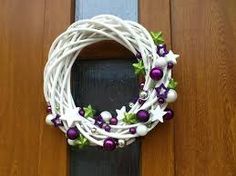 Kết quả hình ảnh cho vánoční věnec na dveře Hanukkah, Wreaths, Home Decor, Decoration Home, Door Wreaths, Deco Mesh Wreaths, Interior Design, Garlands, Home Interior Design
