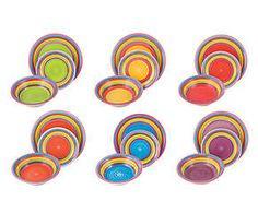 ANI - talerze kolorowe (małe, duże, głębokie) Mogą być też różne jednokolorowe (w tesco są) niebieskie, zielone, żółte, fioletowe - w tych kolorach najlepiej :)