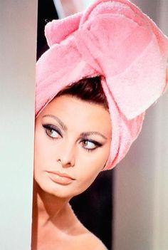 Sophia Loren as Yasmin Azir   |    Arabesque, 1966   |   directed by Stanley Donen   |    http://en.wikipedia.org/wiki/Arabesque_(1966_film)