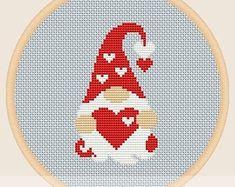 Cross Stitch Christmas Ornaments, Xmas Cross Stitch, Cross Stitch Pictures, Cross Stitch Heart, Cross Stitch Cards, Simple Cross Stitch, Cross Stitching, Cross Stitch Embroidery, Christmas Cross Stitch Patterns