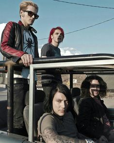 See My Chemical Romance pictures, photo shoots, and listen online to the latest music. My Chemical Romance, Mikey Way, Emo Bands, Music Bands, One Ok Rock, Mayday Parade, Pop Punk, Paramore, Ms Gs